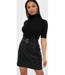 only onlkiera faux leather skirt otw minikjolar