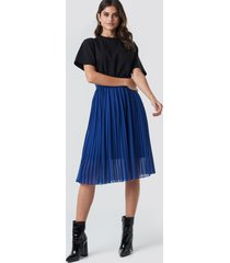 na-kd midi pleated skirt - blue