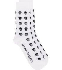 alexander mcqueen multi skull socks - white