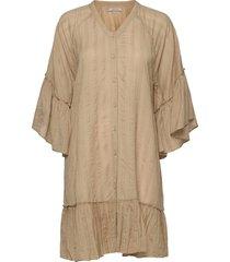 sara kaftan knälång klänning beige underprotection