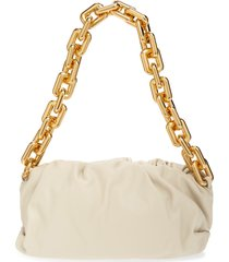 bottega veneta the chain pouch leather shoulder bag - ivory