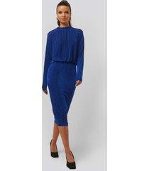 na-kd gathered waist knit dress - blue