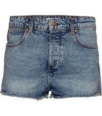 the short shorts denim shorts blå wrangler