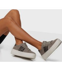 duffy faux suede snake platform sneaker low top