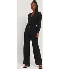 misslisibell x na-kd wrinkle shoulder jumpsuit - black