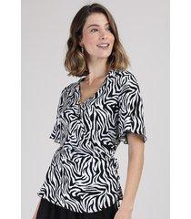 blusa feminina transpassada estampada animal print zebra manga curta decote v off white