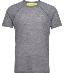 flyen wool tee t-shirts short-sleeved grå bergans