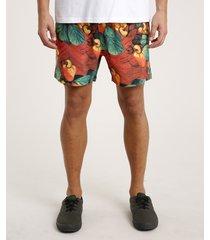 short masculino estampado de caju com bolso laranja