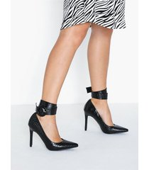 nly shoes ankle cuff pump pumps