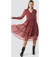 na-kd boho buttoned neck chiffon ruffle dress - red