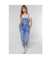 macacão jardineira jeans jogger sob com bolsos