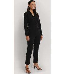 na-kd overlap collared long sleeve jumpsuit - black