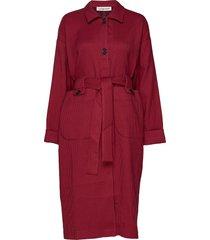tessa trenchcoat lange jas rood custommade