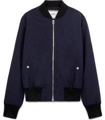 bomber jacket zipped