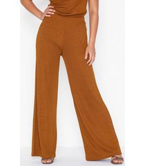nly trend desert palazzo pants byxor