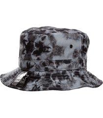 marcelo burlon cross hat