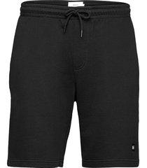curb shorts shorts casual svart makia
