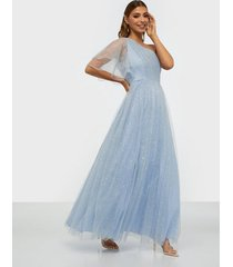 dolly & delicious one sleeve glitter maxi dress maxiklänningar