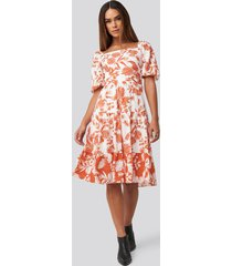 trendyol orange patterned midi dress - white