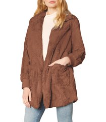 women's bb dakota swirl next door faux fur jacket, size x-small - brown