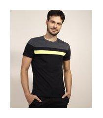 camiseta masculina slim com recortes manga curta gola careca preta