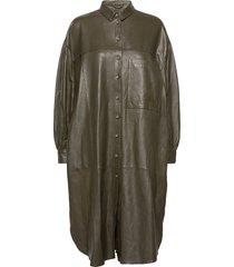 camille leather dress knälång klänning grön mdk / munderingskompagniet