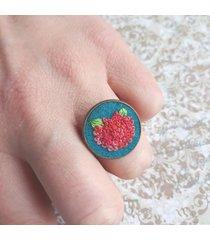 czerwona hortensja - haftowany pierścionek