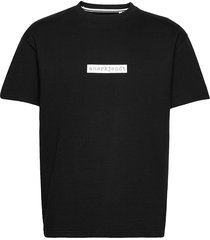 akarne boxy sweat t-shirts short-sleeved svart anerkjendt
