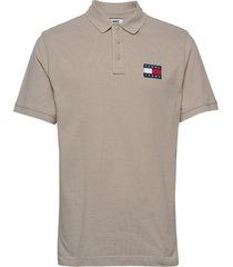 tjm tommy badge polo polos short-sleeved tommy jeans