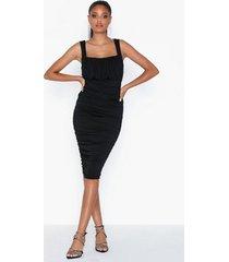 ax paris sleeveless dress fodralklänningar
