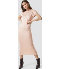 na-kd sleeveless midi knit dress - pink