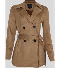 casaco trench coat suede feminino transpassado com faixa para amarrar marrom
