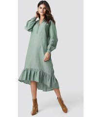 na-kd boho buttoned neckline puff sleeve dress - green