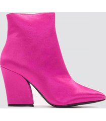 na-kd shoes satin mid heel boots - pink