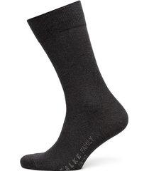 family so underwear socks regular socks svart falke