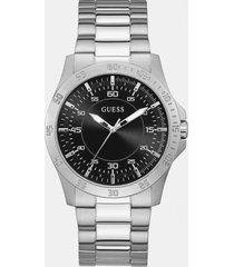 klasyczny zegarek analogowy