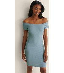 na-kd basic recycled off shoulder ribbed dress - blue
