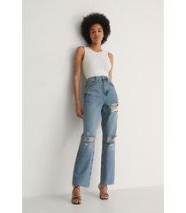 na-kd trend ekologiska raka jeans med hög midja och sliten detalj - blue