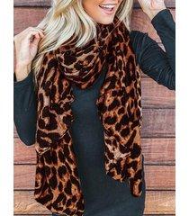 bufanda ligera informal con estampado de leopardo