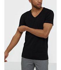 jack & jones jjebasic v-neck tee s/s noos t-shirts & linnen svart