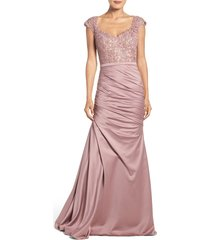 women's la femme embellished lace & satin mermaid gown, size 2 - pink
