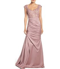 women's la femme embellished lace & satin trumpet gown, size 2 - pink