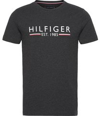 hilfiger 1985 tee t-shirts short-sleeved svart tommy hilfiger