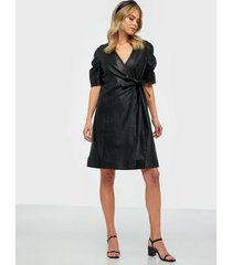 y.a.s yassaima ss leather dress ft loose fit dresses