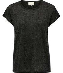 carlina strik t-shirt