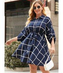 mini vestido de manga larga con diseño de cinturón a cuadros con cuello de solapa y talla grande yoins