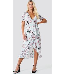 trendyol wrap around flower dress - grey