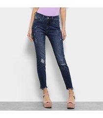 644c9d763 calça jeans skinny colcci bia estonada puídos barra desfiada cintura média  feminina