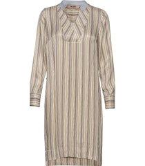 lipa river dress jurk knielengte beige mos mosh