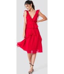 na-kd boho deep back frill chiffon dress - red